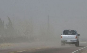 Inconvenientes en el tendido electrico debido a las fuertes ráfagas de viento