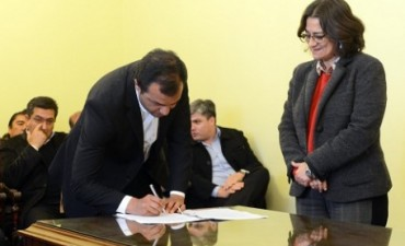 La Provincia formalizó con los municipios la coparticipación del préstamo