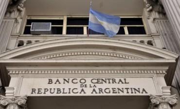 Un informe del Central destaca que la inflación en agosto siguió a la baja y creció el financiamiento en dólares