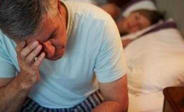 ¿Es bueno para la salud comer en la noche antes de acostarse?