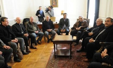 La Iglesia pidió a la CGT agotar el diálogo antes de anunciar un paro