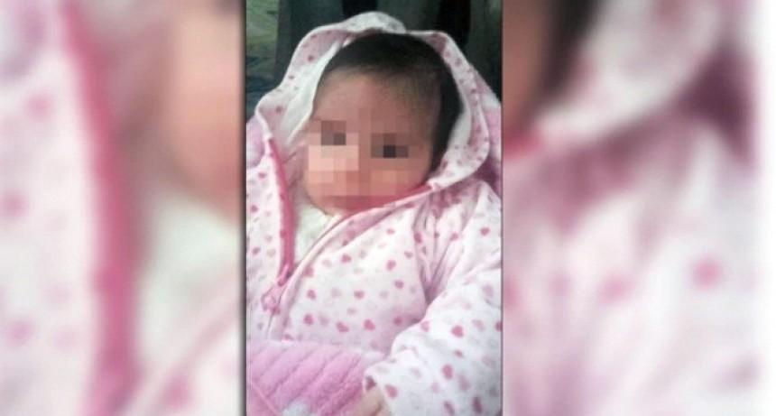 Dos policías le salvaron la vida a una beba de un mes que había dejado de respirar