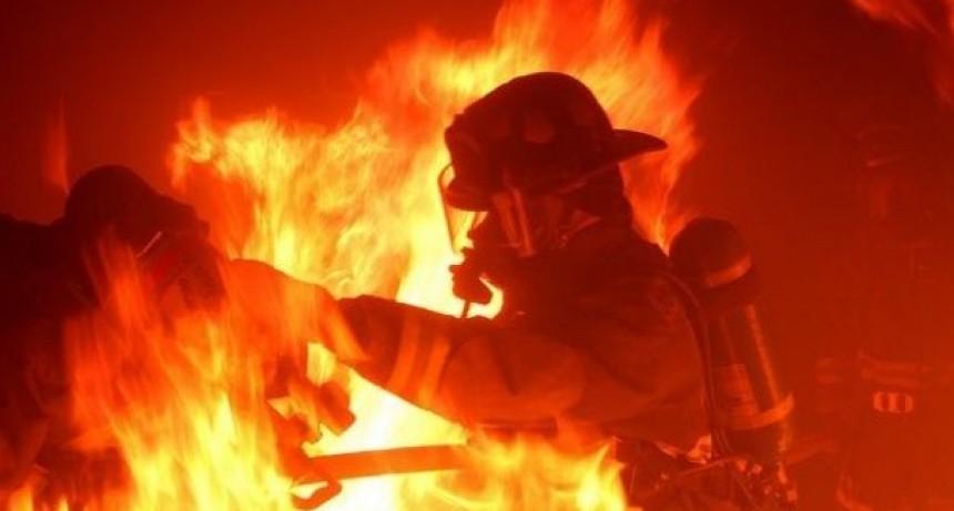 Sufrió quemaduras al incendiarse su vivienda