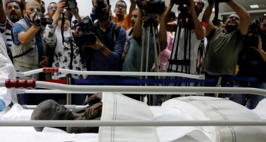 Trasladan dos momias egipcias descubiertas por Eduard Toda al Museo de la Civilización de El Cairo