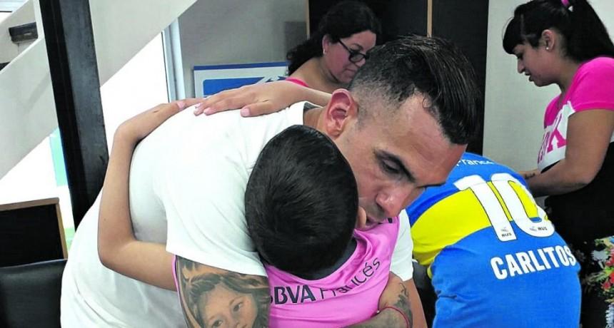 Un encuentro del corazón entre Delfi y Carlos Tevez
