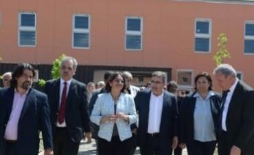 Lucía inauguró nuevos pabellones  y un jardín en el CAPE