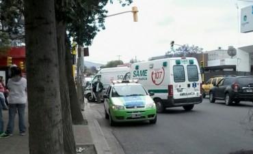 Motociclista atropello a una adolescente que salía de la escuela