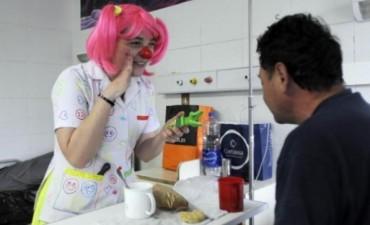"""""""Plasticola"""", la enfermera payasa que hace reír a sus pacientes"""