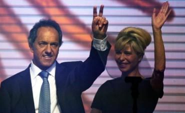 Scioli cerró su campaña con la promesa de modificar el Impuesto a las Ganancias