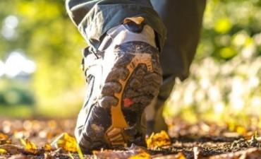 Crean calzado vibrador que orienta a las personas ciegas