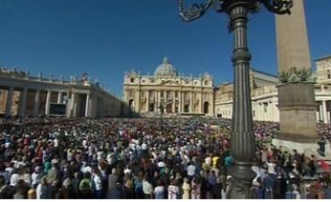 Papa: los nuevos Santos vencieron la paz con la oración siguiendo a Jesús