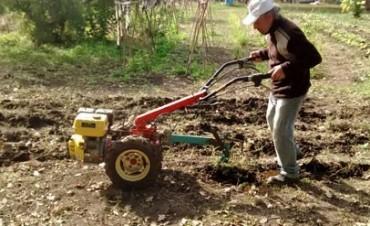 Maquinaria agrícola a pequeña escala, sustentable y multifunción