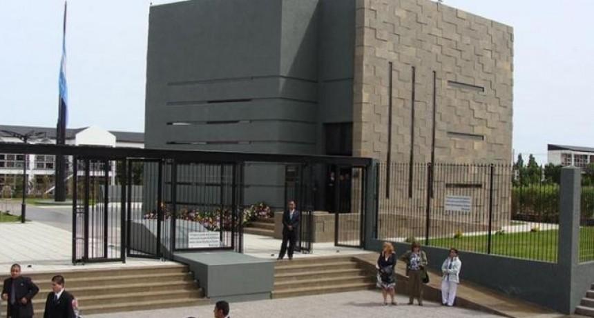 Aseguran que sacaron 40 bolsos del mausoleo de Kirchner en 2013