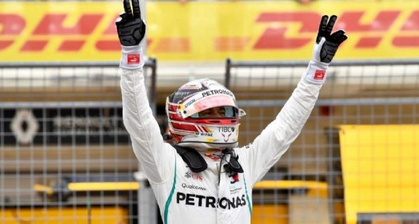 Hamilton entró en la historia con su quinto título mundial