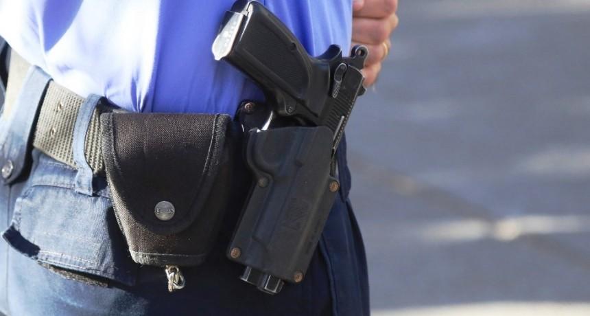 Un policía de civil hirió de bala a un arrebatador