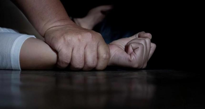 Salvaje violación a una adolescente por un amigo en su casa, debió ser operada la desgarro