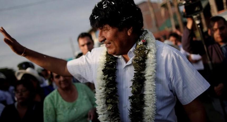 Elecciones en Bolivia: Evo Morales se impuso sobre Carlos Mesa, pero habrá segunda vuelta
