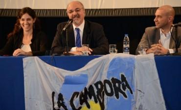 Legisladora de La Cámpora usó una foto de las inundaciones del 2010 para pegarle a Macri