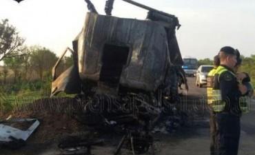 Explotó un camión cisterna en la ruta 34 y el chofer murió calcinado