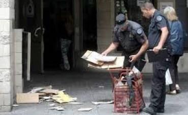 Detonan un paquete sospechoso frente a la AMIA: un detenido