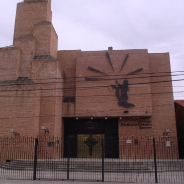 Iglesias del interior blanco de robos