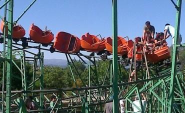 Siete chicos golpeados en montaña rusa de Peco's - Carlos Paz