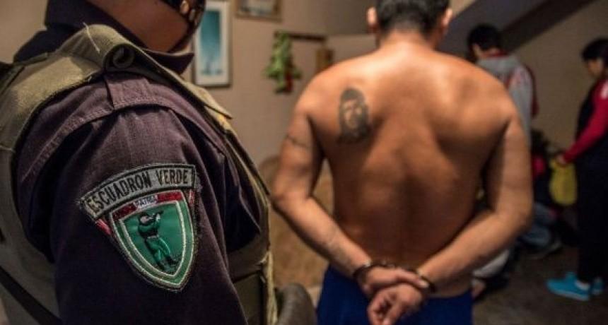 Perú: la red de tráfico de bebés que vendía a niños por US$1.200 y de la que formaba parte un exdirector de la policía