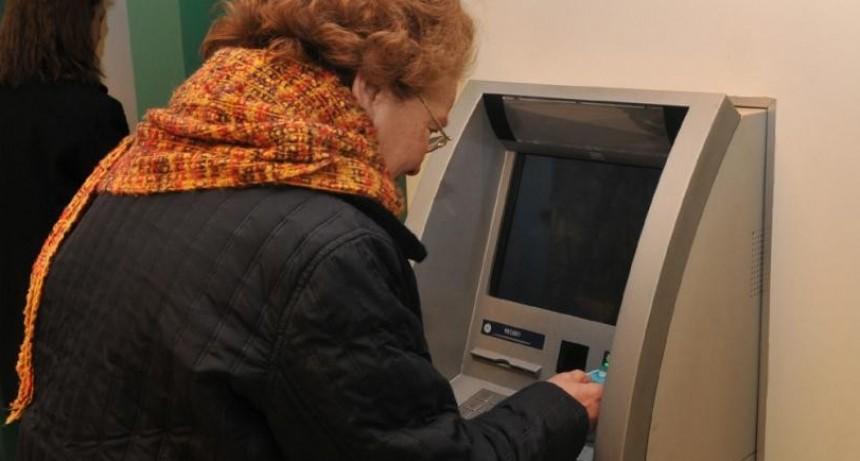Aumentan jubilaciones un 7,7% en diciembre: cuánto será el haber mínimo