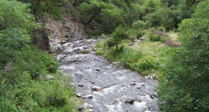Vecinos se organizan para realizar la limpieza del río El Tala