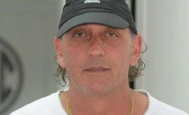Quien es El Tano Víctor Riggio el nuevo DT de Aconquija