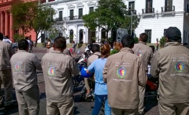 Agentes Sanitarios  se manifiestan frente a Casa de Gobierno