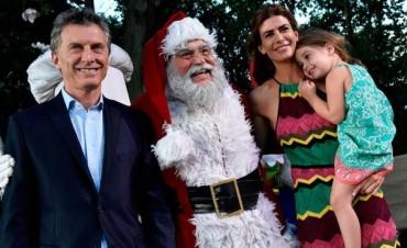 Antonia Macri conoció a Papá Noel y las fotos hacen furor