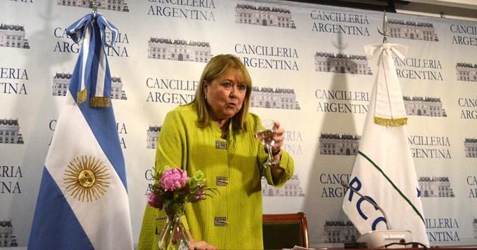 Malcorra asumió la presidencia del Mercosur y hubo escándalo