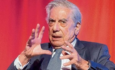Mario Vargas Llosa y otros 230 escritores rechazaron el indulto a Alberto Fujimori