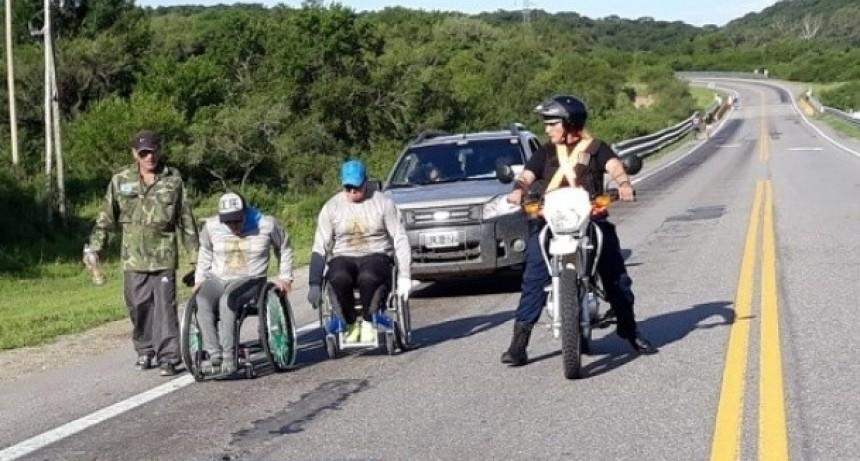 En silla de ruedas viene de Tucumán a rendirle homenaje a la Morenita del Valle