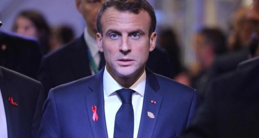 Macron dio marcha atrás con los impuestos sobre la nafta