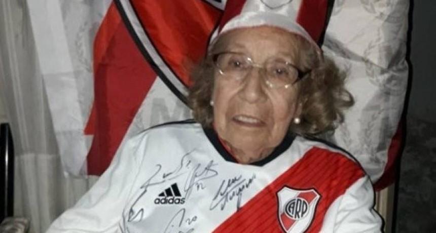 Amor por la camiseta: la campaña que quiere llevar a hincha de River de 90 años al Mundial de Clubes