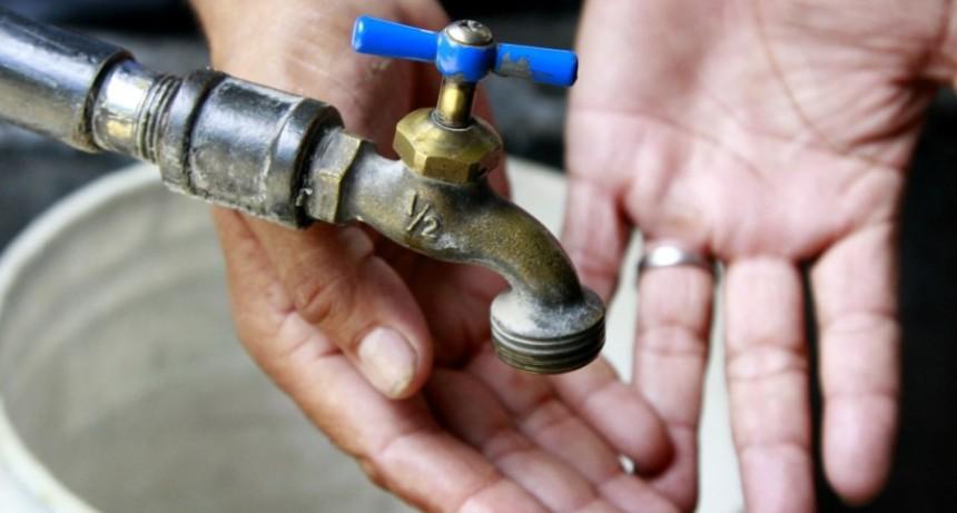 Tras una semana sin agua restituyen el servicio en barrios de Recreo