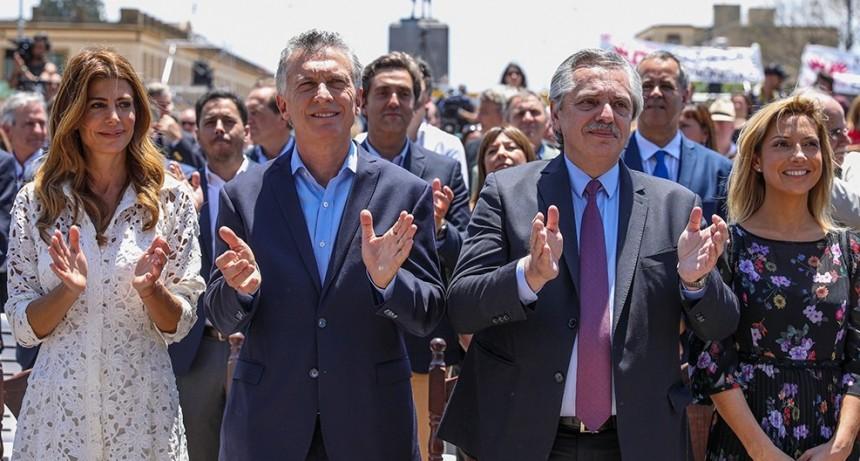 Macri recibió a Alberto Fernández antes de la misa en el Museo Enrique Udaondo